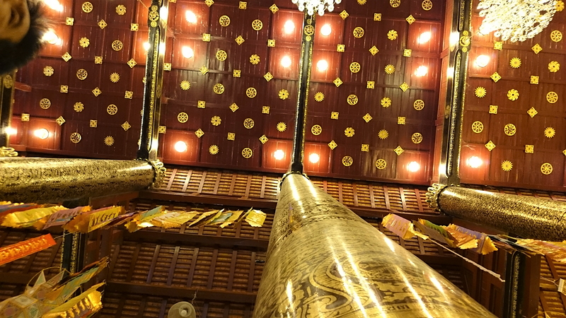 ワット・チェディ・ルアン本殿の天井