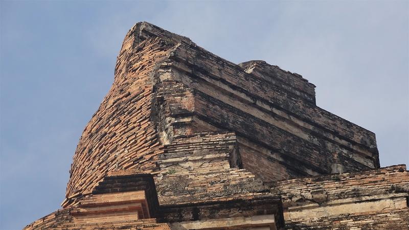 ワット・チェディ・ルアンの仏塔の先端部分