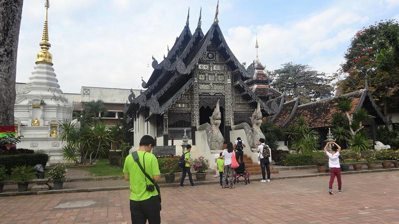 ワット・チェディ・ルアン境内にある寺院
