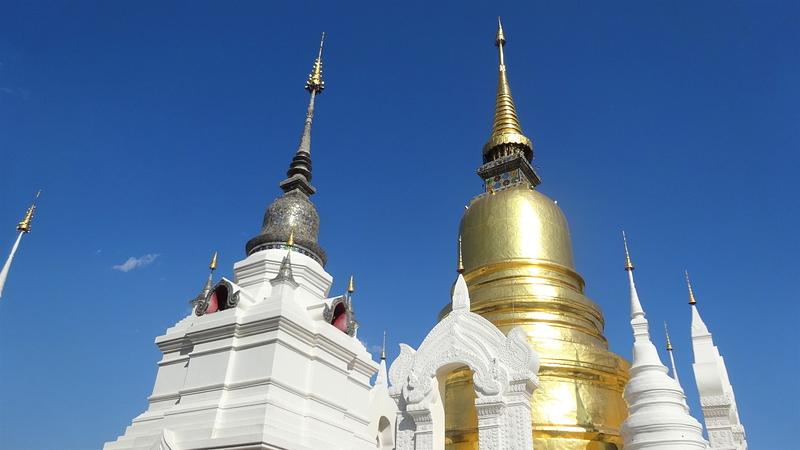 ワット・スアン・ドークの仏塔