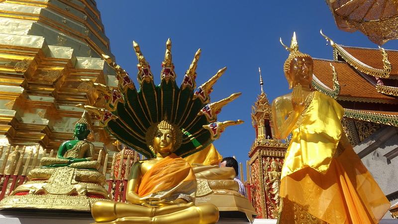 ワット・ドイステープ境内にある仏像