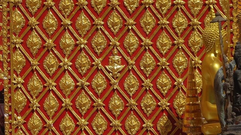 ワット・ドイ・ステープの仏陀を無数に並べた装飾