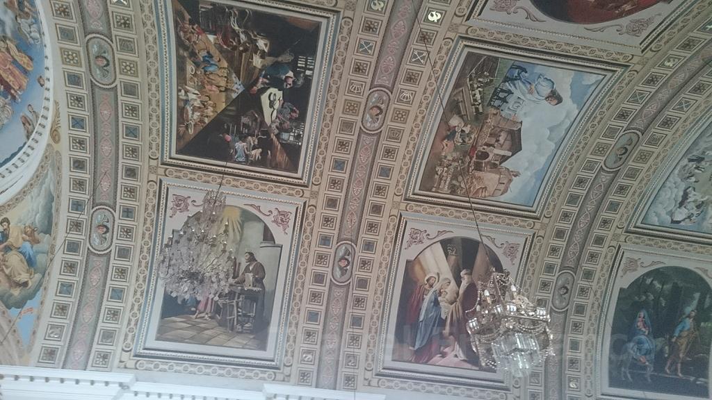 聖ヨセフ・カテドラルの天井の絵