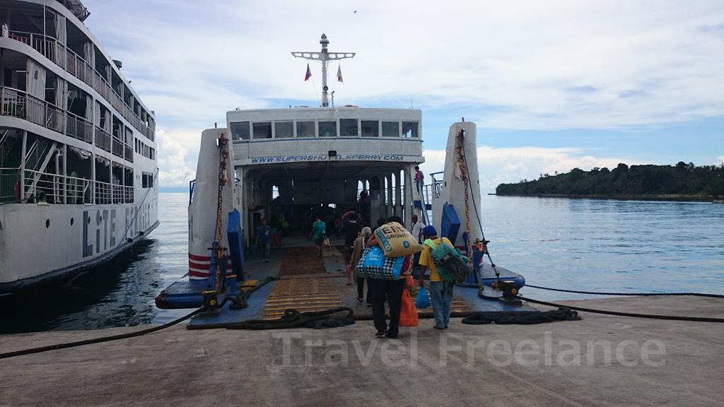 カガヤン・デ・オロ⇔カミギン島ベノニ港間を運航するスーパー・シャトル・フェリー